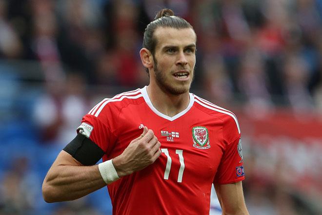 Gareth Bale (Wales) beim World Cup 2018 Qualifikationsspiel zwischen Wales und Georgien in Cardiff (süd Wales) am 9. Oktober 2016. / AFP PHOTO / GEOFF CADDICK