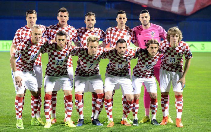 Kroatiens Startaufstellung beim Sieg über die Ukraine. AFP PHOTO.
