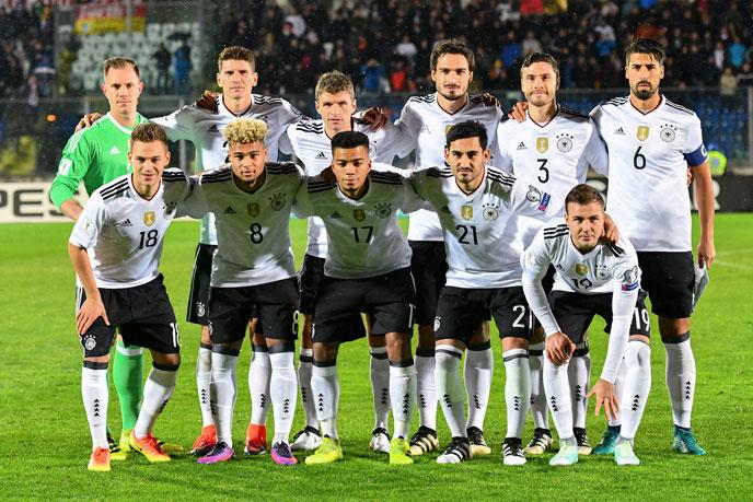 Eine junge Startaufstellung gegen San Marino am 11.11.2016 - eine Mannschaft für die Wm 2018? (Foto AFP)