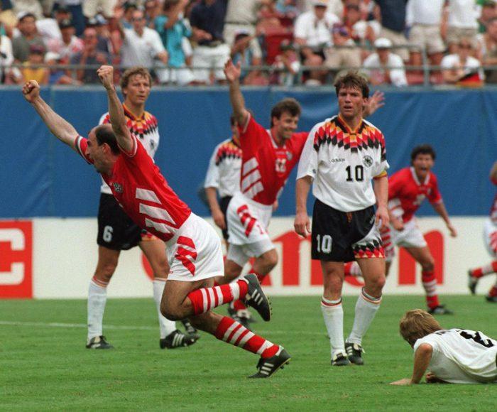 Bulgarian gewinnt mit Iordan Letchkov mit 3:2 gegen Deutschland (Guido Buchwald, Lothar Matthaeus undThomas Haessler) AFP PHOTO/JEAN-LOUP GAUTREAU