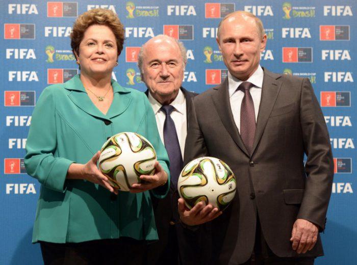 Nach der WM ist vor der WM: Dilma Rousseff, Ex-FIFA Präsident Joseph Blatter und Russlands Präsident Vladimir Putin vor der WM 2018. AFP PHOTO / RIA NOVOSTI POOL / ALEKSEY NIKOLSKYI