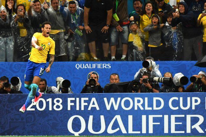 Brasilien Star Neymar jubelt nach seinem Treffer im Spiel gegen Peru am 28.03.2017. Brasilien qualifiziert sich nach Gastgeber Russland als erstes Team regulär für die WM. / AFP PHOTO / NELSON ALMEIDA