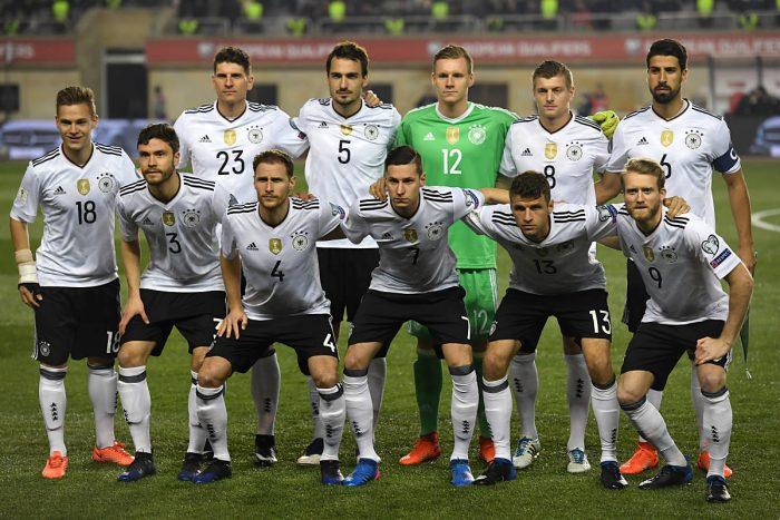 Die letzte Startaufstellung Deutschlands in der WM-Quali gegen Aserbaidschan am 26.03.2017. AFP PHOTO.