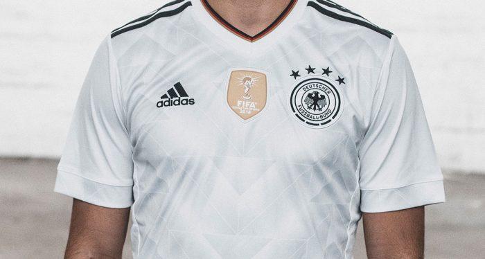 In der Nahaufnahme: Das neue Deutschlandtrikot 2017. Photo: Adidas Presse.