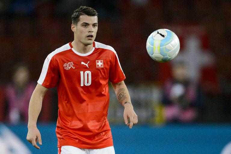 Wird Granit Xhaka (FC Arsenal) bei der WM 2018 für die Schweiz zum Schlüsselspieler? / AFP / FABRICE COFFRINI